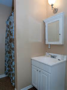 Hgtv Bathrooms Small - traditional small bathroom photos hgtv