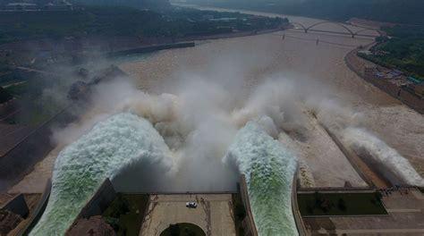 impresionantes imágenes de la represa que colapsó en brasil espectaculares im 225 genes a 233 reas de la descarga de una