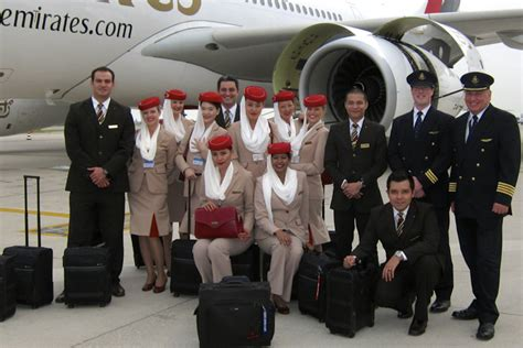 how to apply emirates cabin crew