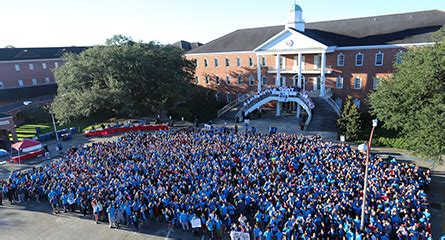 Ul Lafayette Mba by Big Event Draws Thousands Of Ul Lafayette Volunteers