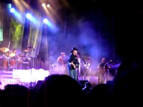 trace adkins every light in the house trace adkins clip of every light in the house is on live at metropolis il youtube