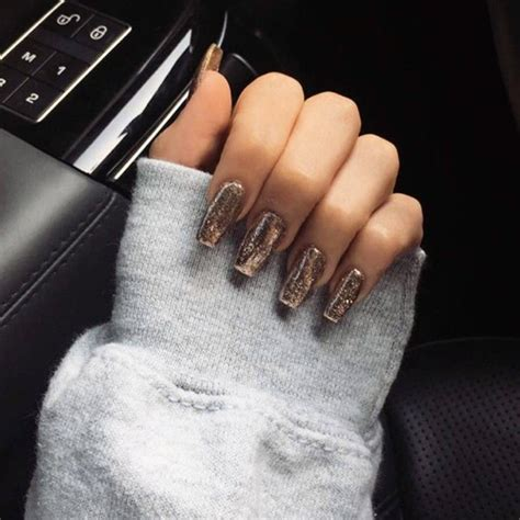 madison beer nails madison beer gold glitter nails steal her style