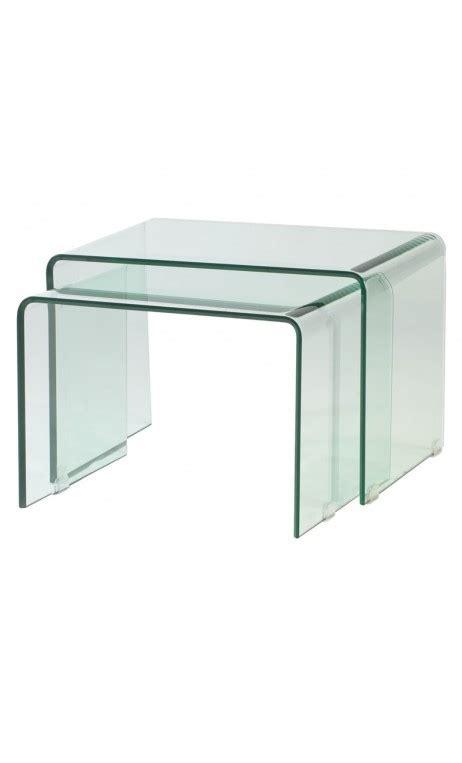 table de nuit transparente achetez votre table d appoint design verre nido