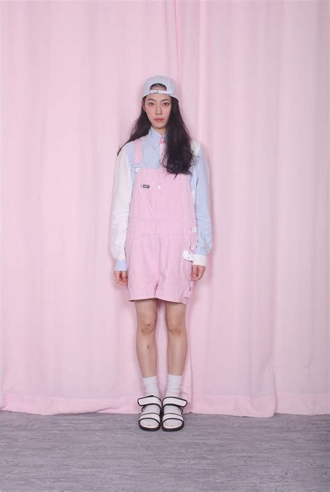 Korea Style Pink 17 best images about vaporwave seapunk on