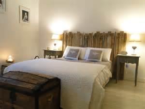 fabriquer une tete de lit en bois brut mzaol