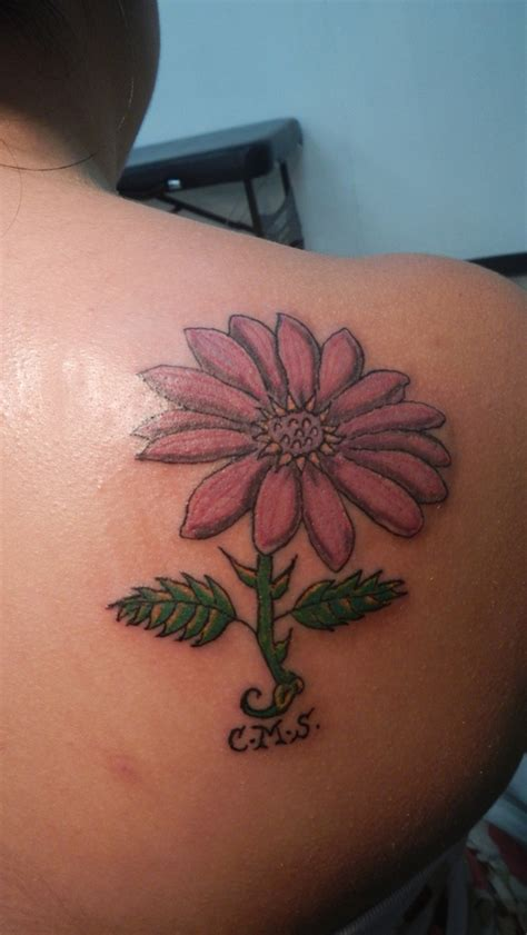 daisy shoulder tattoo color flower on back shoulder