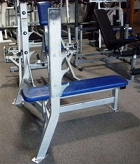 hammer strength flat bench press bigfitness news hammer strength flat olympic bench press