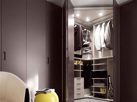 armadi angolari per da letto armadio angolare da letto mobili armadio