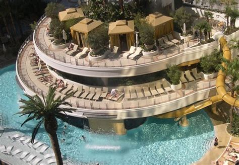 infinity aquarium design las vegas nv world s most amazing hotel pools travelvivi com