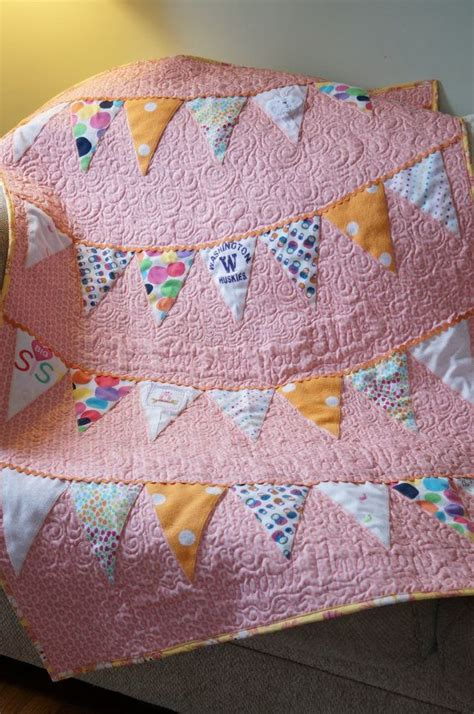 Baby Quilts Made From Baby Clothes by 25 Best Ideas About Baby Clothes Blanket On