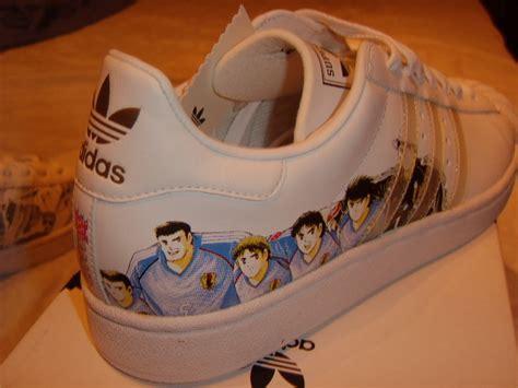 Doraemon Converse Adidas adidas superstar captain tsubasa olive et tom sneakers actus