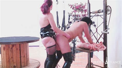 Sex Slave French Mature In Leather Gets Dominated Fist