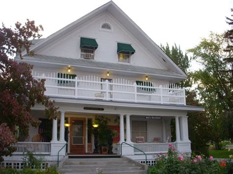 lake chlain bed and breakfast whaley mansion bed and breakfast chelan wa b b