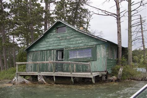 Shitty Cabin cabin on bad medicine lake minnesota photorator
