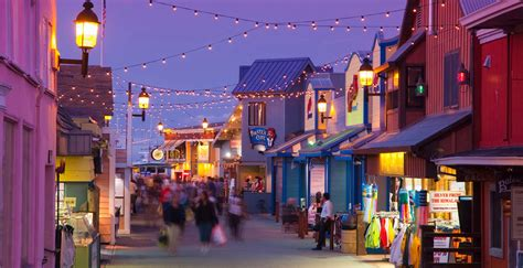capitola village shopping dining activities find monterey bay vacation travel guide and tour information