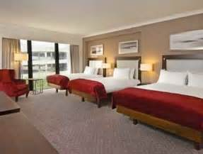 gatwick airport hotels with family rooms for up to 5