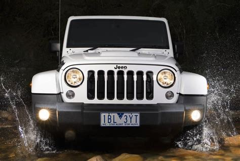 fiat jeep wrangler fiat chrysler preparing new 2 0t 4cyl to debut in next
