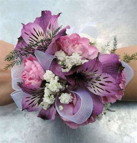Corsage Flowers by Corsage Kremp