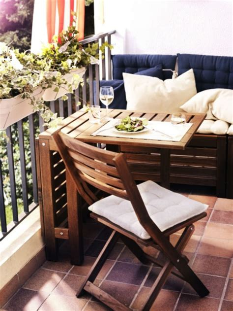 i love this deck furniture layout so cozy outside home ideas pomysł na mały balkon aranżacja małego balkonu taras