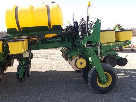 Deere 16 Row Planter by Bigiron