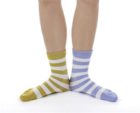 mismatched socks what to do with mismatched socks apartmentguide