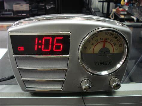 timex retro digital am fm alarm clock radio model t247s battery backup images hosted at