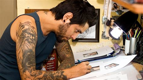 how to practice tattooing artist