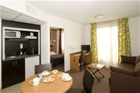 chambre d hotel avec kitchenette chambres appart h 244 tel lyon bioparc