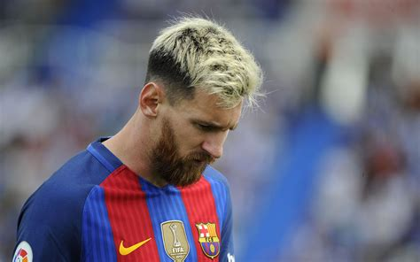 lionel messi lionel messi hits 500 barcelona goals tally sport the