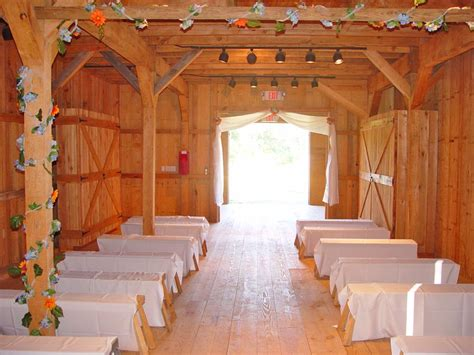 Barn Wedding Ceremony   Glitter & Lace