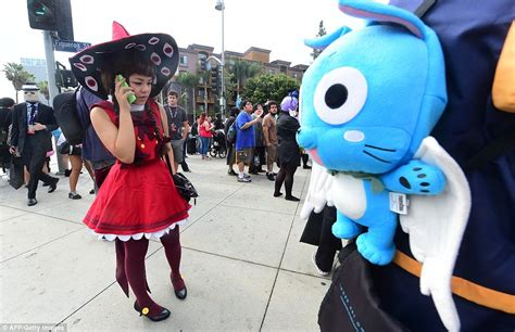 anime expo uk cosplayers flood los angeles for annual anime expo daily