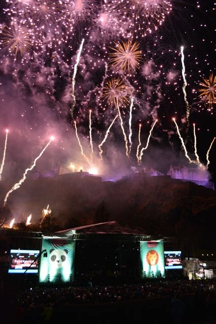 new year in edinburgh 2016 hogmanay new years celebrations in edinburgh travel
