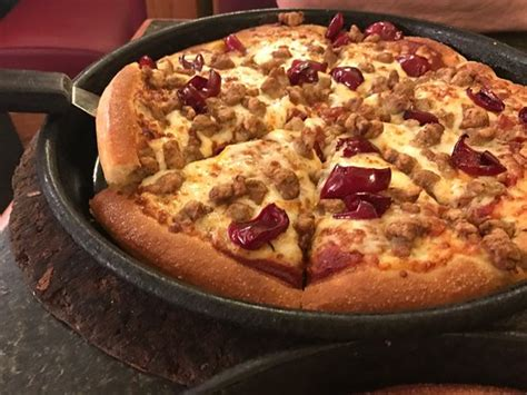 pizza hut pizza place 425 e main st in kingwood wv