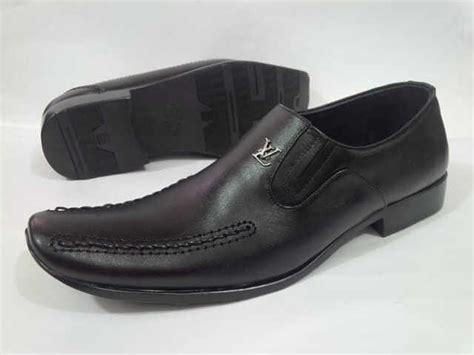 Sepatu Merk Louis Vuitton jual sepatu pantofel kerja lv louis vuitton pria toko