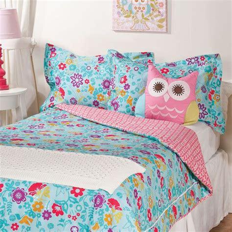 bright floral bedding bright floral bedding for a girl s room beeky s room