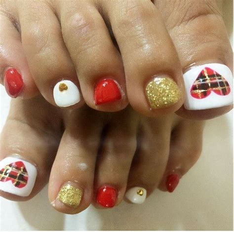 20amazing christmasfor nail 27 designs for toe nails be modish