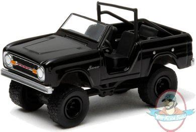 Diecast Ford Bronco 1970 Skala 64 Black Bandit By Greenlight 1 64 black bandit series 10 1970 ford bronco 4x4