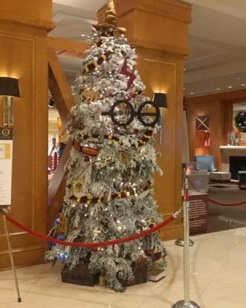 harry potter christmas decorating ideas 50 intriguing harry potter decorations for magic
