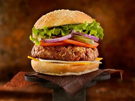 cucinare l hamburger oggi 232 l hamburger day curiosit 224 tendenze e 4 ricette