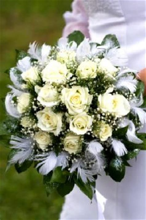 how to make your own bridal bouquet lovetoknow