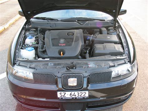 Volkswagen Golf 1 4 1998 Auto Images And Specification