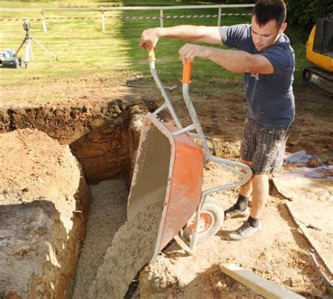 how to lay a foundation for a house 1000 ideas about concrete footings on pinterest deck footings building foundation