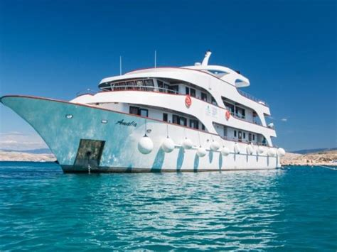 small boat cruise croatia europe holidays tours holidays in europe in 2018 2019