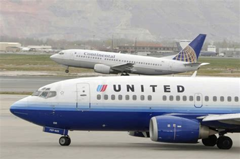 united airline disruptive passenger diverts laguardia bound united