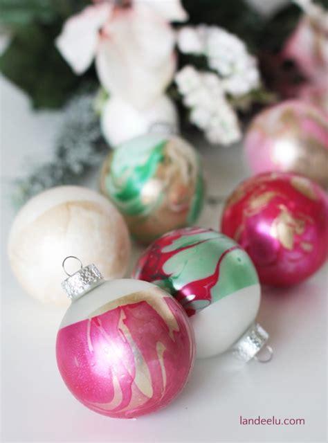 DIY Ornaments: Marbled Dipped Awesomeness   landeelu.com