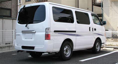 file nissan caravan rear jpg wikimedia commons