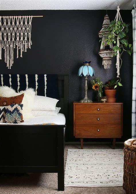 stylish bedrooms  black walls digsdigs