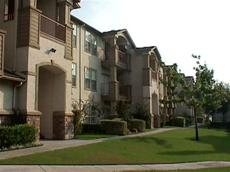 Appartments In Dallas by Ridge Dallas Apartments At 4750 Haverwood Ln