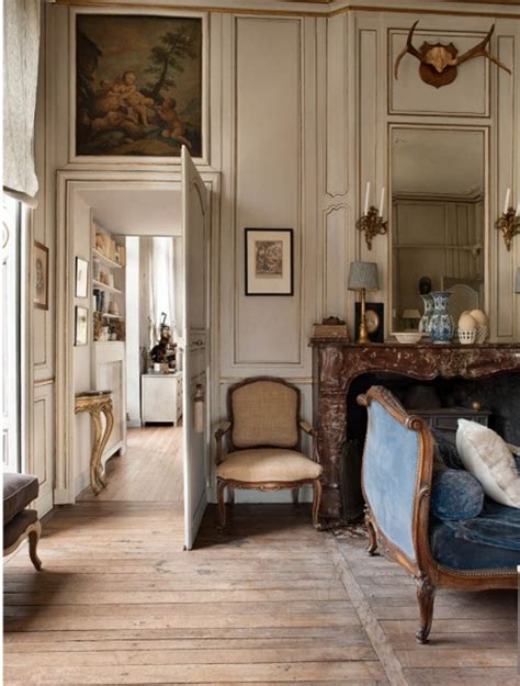 Antique Home Interior Through A Poetic Setting Of Antiques And Shabby Chic Furniture Decoholic