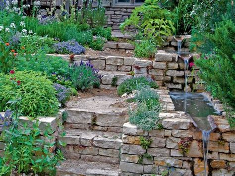 treppe garten hang wasserlauf am gartenhang mit natursteinen und treppe im